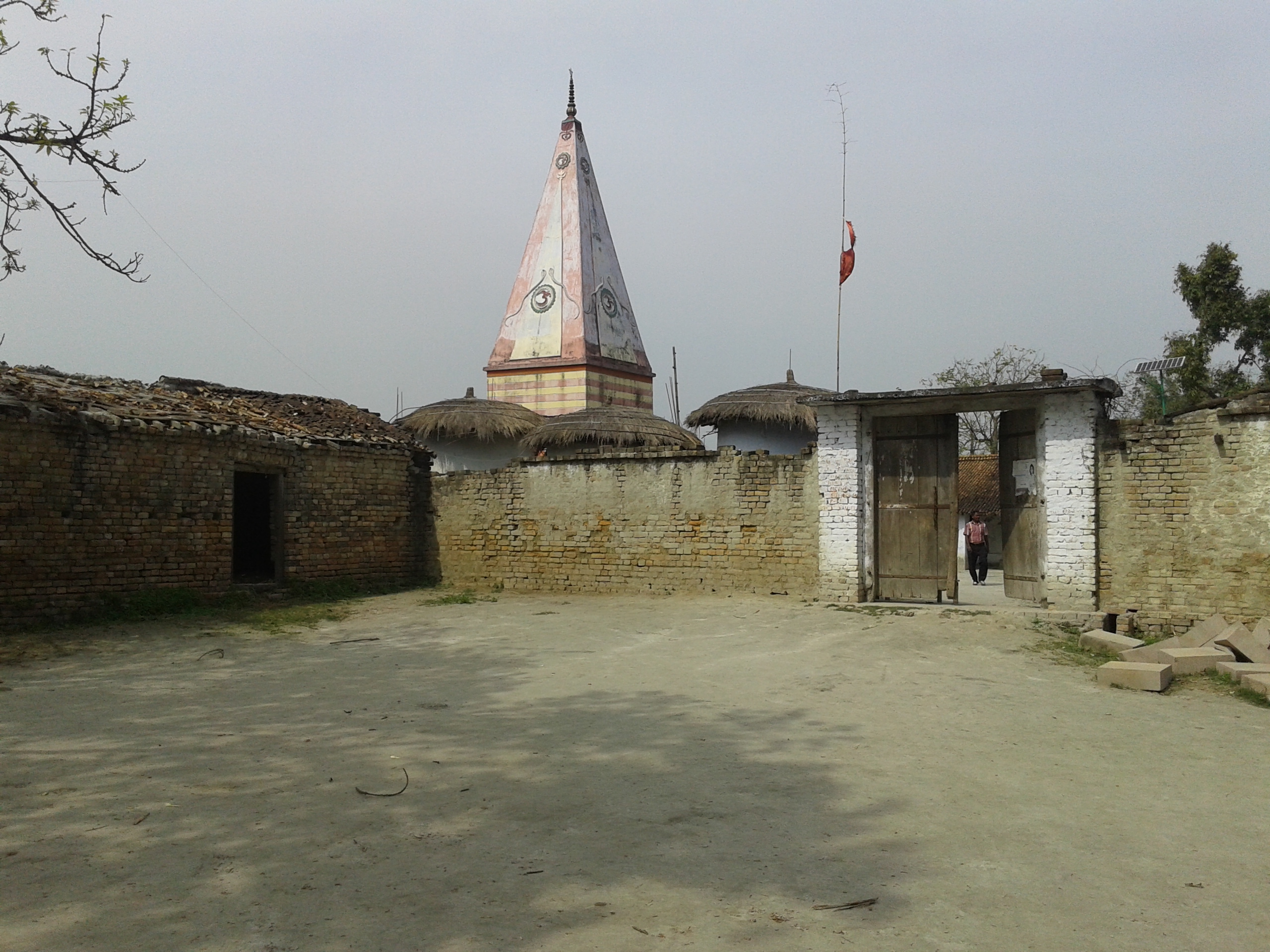 narmadeshwar-mahadev-mandir-bahuara-outside-view